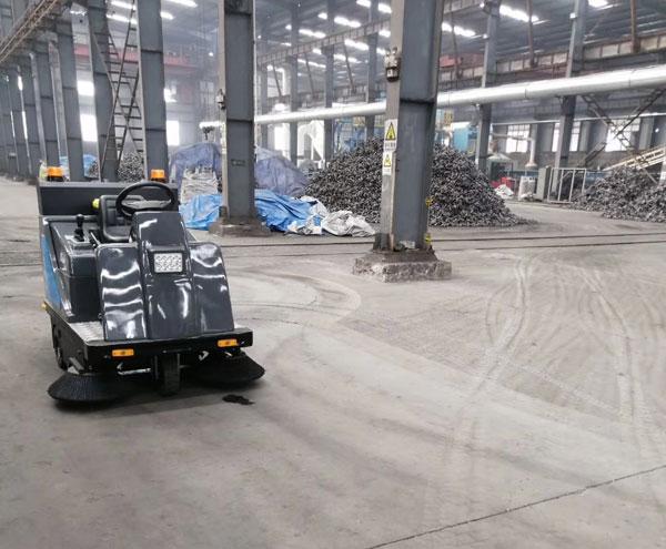 工厂车间仓库用驾驶式扫地机 工厂车间垃圾清扫车